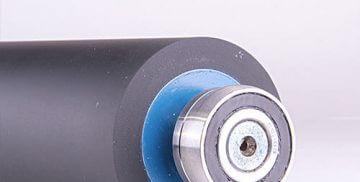 Obnova gumiranih valjev v sivo-modri barvi
